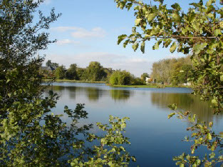 holiday cottages to let in Brittany near lakes